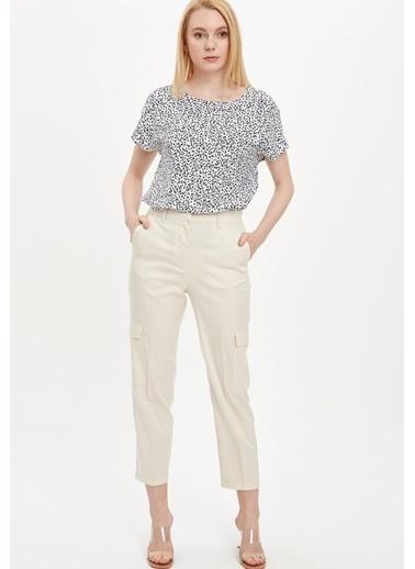 DeFacto Regular Fit Kısa Kollu Bluz Beyaz